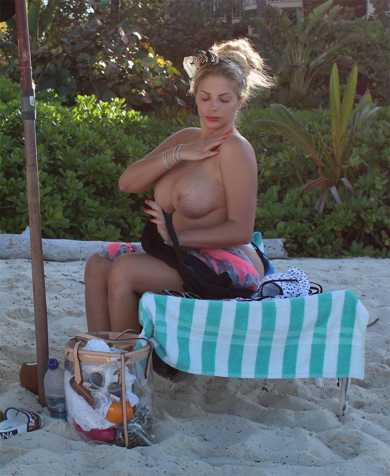 Francesca Cipriani Topless