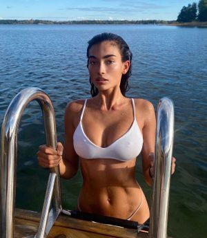 Kelly Gale Cold Nipples While Swimming