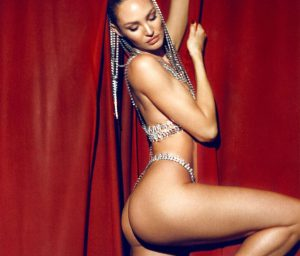 Irina Shayk Sexy Curve And Ass!