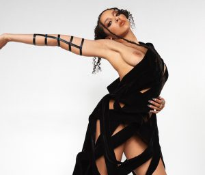 Tinashe Boob Expose In A Photoshoot!